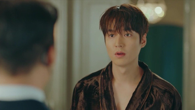 Knet khen chê lẫn lộn tập mở màn Quân Vương Bất Diệt: Lee Min Ho đẹp trai lại diễn hay, nhưng phim cứ sai sai thế nào ấy nhỉ? - Ảnh 1.