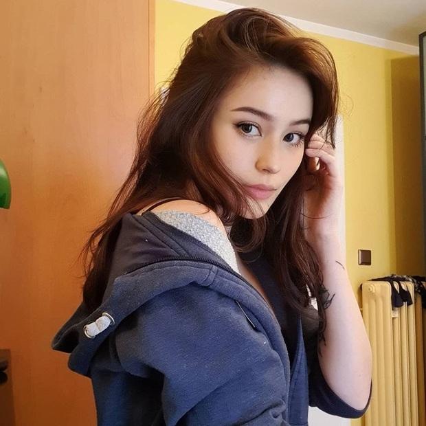 Nữ streamer gốc Việt cực hot trên Twitch, không chỉ xinh đẹp mà body cũng cực kỳ gợi cảm! - Ảnh 5.