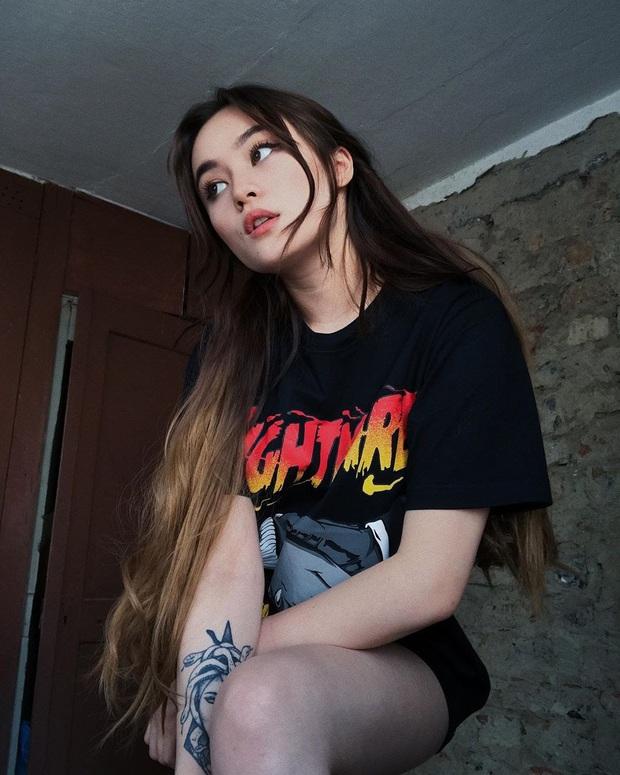 Nữ streamer gốc Việt cực hot trên Twitch, không chỉ xinh đẹp mà body cũng cực kỳ gợi cảm! - Ảnh 7.