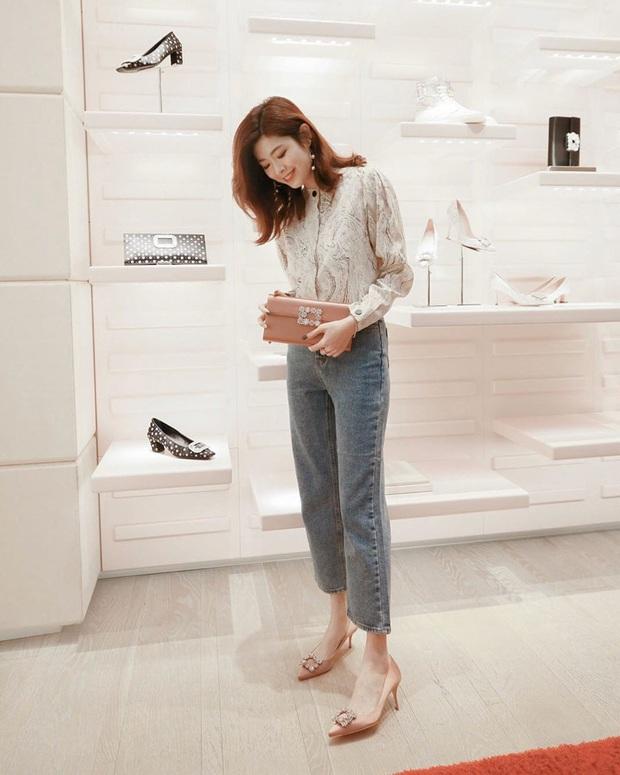 Ngắm bộ ảnh xuất thần của tiểu tam Thế Giới Hôn Nhân, sang chảnh đến mức ai cũng phải công nhận cặp đôi blouse + jeans là tuyệt nhất - Ảnh 10.