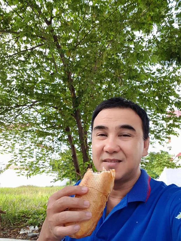 Hé lộ bữa ăn bất ngờ của MC giàu nhất Việt Nam Quyền Linh: Chỉ cơm nguội, dưa leo và chao nhưng vẫn khen nức nở - Ảnh 7.