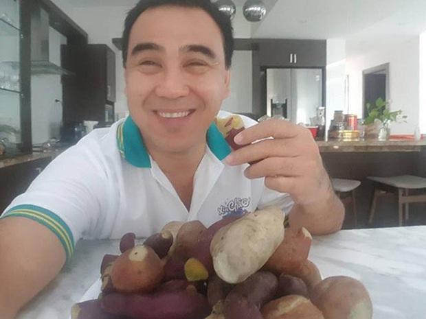 Hé lộ bữa ăn bất ngờ của MC giàu nhất Việt Nam Quyền Linh: Chỉ cơm nguội, dưa leo và chao nhưng vẫn khen nức nở - Ảnh 5.