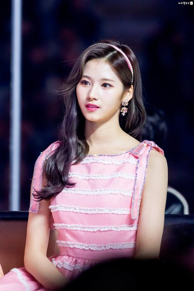 Thì thầm Kbiz: Bệ hạ Lee Min Ho - Suzy tái hợp, lộ diện danh sách sao bị Dispatch nhắm trúng và loạt tin đồn chấn động - Ảnh 10.