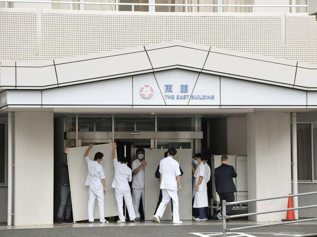 Bệnh nhân khó thở bị hơn 80 nơi từ chối nhập viện, hé lộ nguy cơ vỡ trận của Nhật Bản trước làn sóng lây nhiễm thứ hai trong dịch Covid-19 - Ảnh 2.