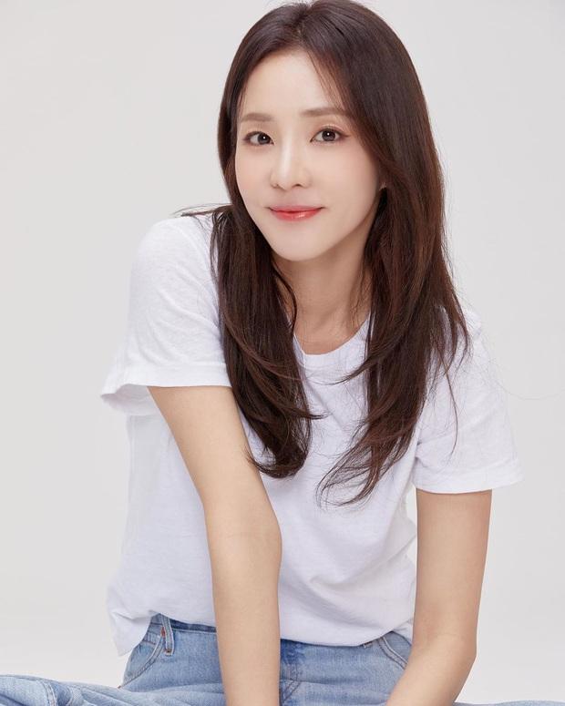 Chỉ bằng 1 bức ảnh, Dara đã khiến dân tình đứng ngồi không yên: Nữ thần đẹp nhất YG một thời đã trở lại rồi! - Ảnh 3.