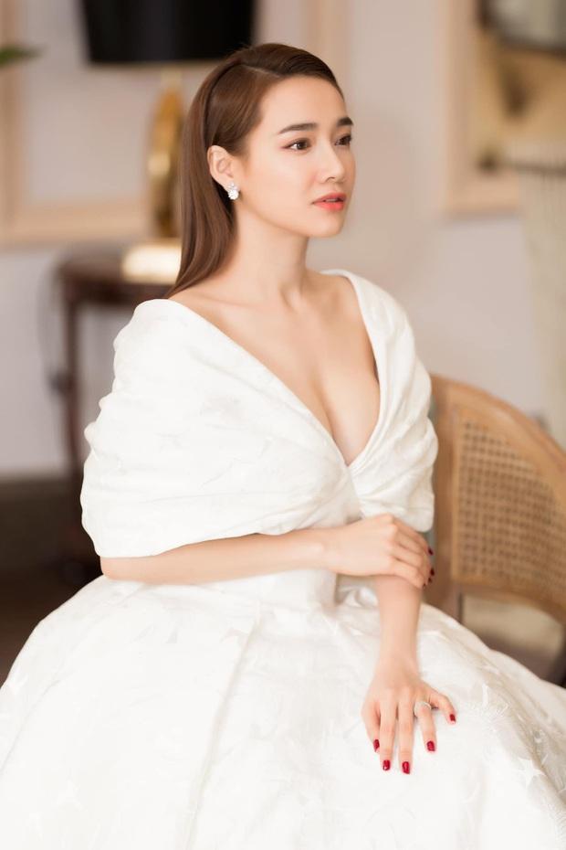 Nhan sắc dàn mỹ nhân hot nhất Vbiz sau 10 năm: Hà Tăng, Nhã Phương lên hương hậu kết hôn, Tóc Tiên lột xác đỉnh nhất - Ảnh 9.