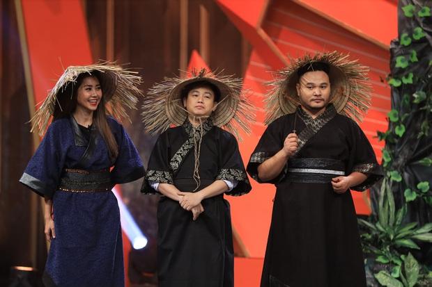 Hari Won - Lâm Vỹ Dạ dẫm đạp nhau không thương tiếc để giành... làm idol - Ảnh 3.