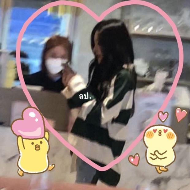 """Loạt ảnh """"gây lú"""" cả fandom: Fan ruột cũng khó phân biệt đây là Irene hay Seulgi, lộ diện idol giống nữ thần nhà SM? - Ảnh 2."""