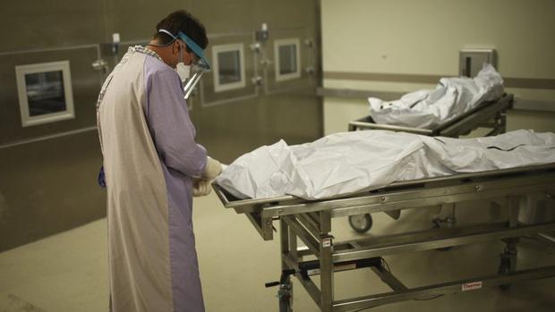 Nam y tá qua đời trong cô độc vì Covid-19, người thân đau đớn tìm thi thể suốt nhiều ngày giữa lệnh phong tỏa - Ảnh 2.