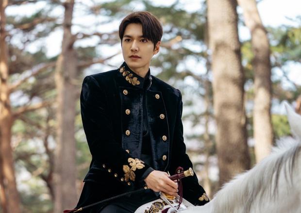 Tưởng đâu hoàn hảo tuyệt đối, ai ngờ Quân Vương Bất Diệt của Lee Min Ho lại lộ sạn to đùng ngay tập 1 - Ảnh 6.