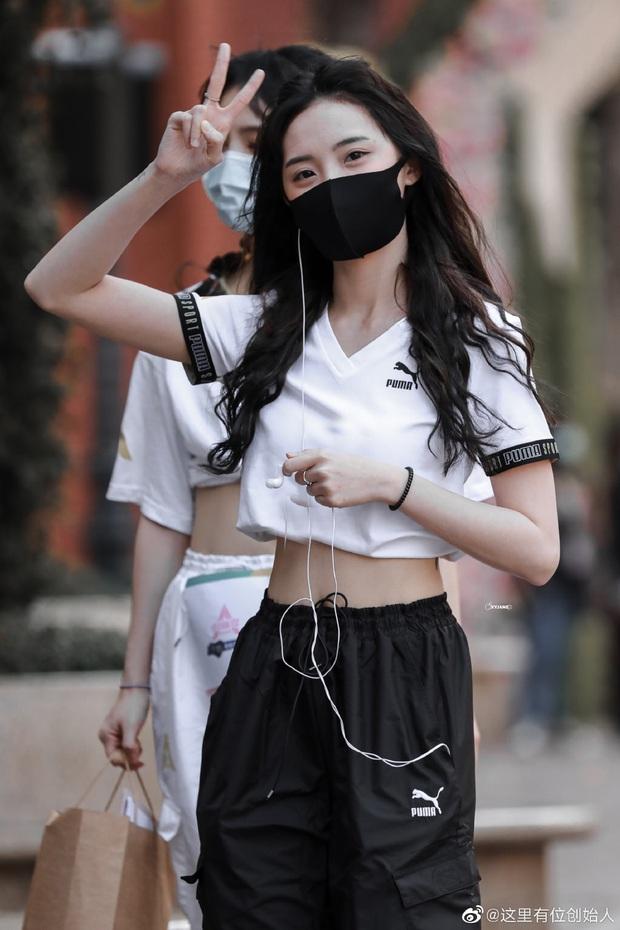 Dàn thí sinh Sáng Tạo Doanh tranh thủ khoe eo thon triệt để, dằn mặt học trò Lisa với sắc vóc vượt trội - Ảnh 13.