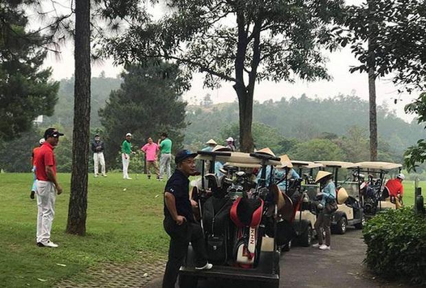 Vĩnh Phúc yêu cầu đóng cửa các sân golf vì tụ tập đông người - Ảnh 1.
