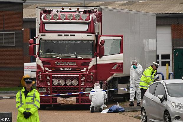 Bắt giữ thêm nghi phạm liên quan vụ 39 người Việt chết trong container ở Anh - Ảnh 1.