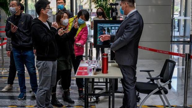 Trung Quốc đã dùng mã QR để chiến đấu virus corona như thế nào - Ảnh 1.