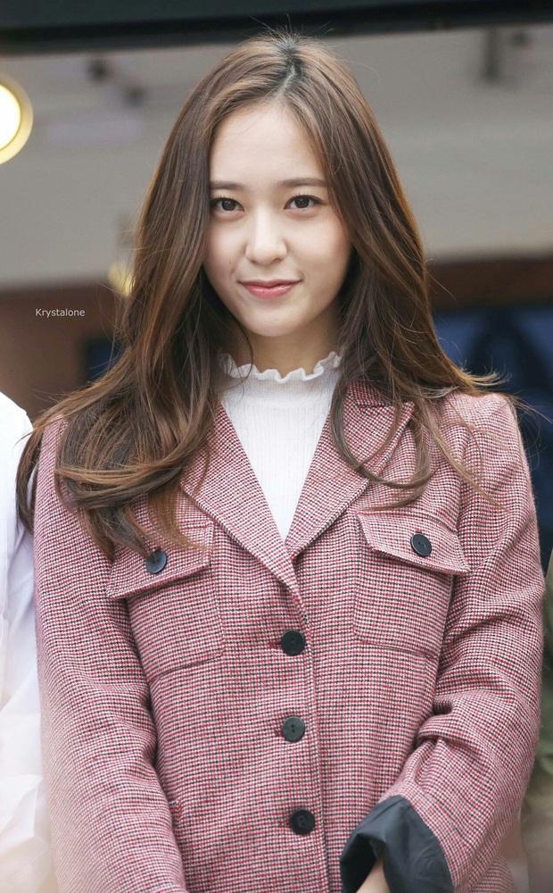 """Vòng bạn bè gây bất ngờ của """"nữ thần băng giá"""" Krystal: Từ tài tử """"Trái tim mùa thu"""" đến tình địch màn ảnh Park Shin Hye - Ảnh 9."""