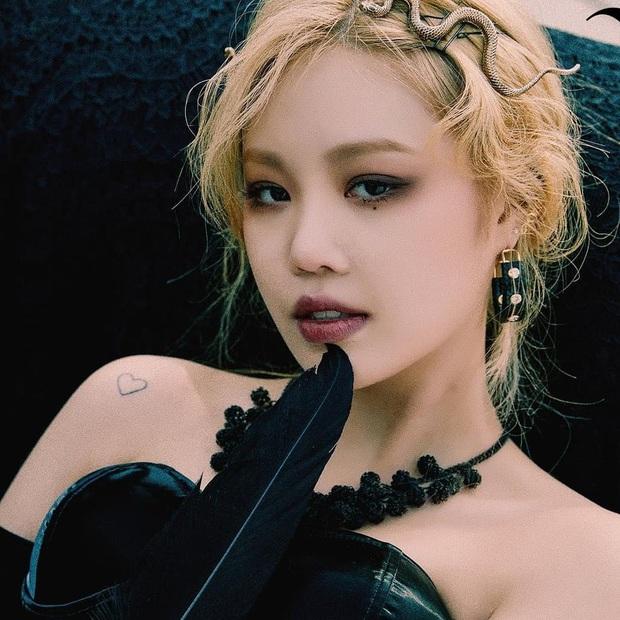 30 nữ idol Kpop hot nhất hiện nay: Em út sexy của MAMAMOO vượt mặt Jennie (BLACKPINK), top 5 gây choáng vì toàn nữ thần - Ảnh 10.