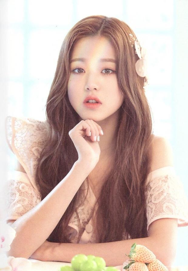 30 nữ idol Kpop hot nhất hiện nay: Em út sexy của MAMAMOO vượt mặt Jennie (BLACKPINK), top 5 gây choáng vì toàn nữ thần - Ảnh 9.