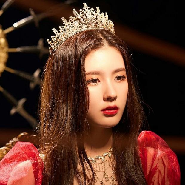 30 nữ idol Kpop hot nhất hiện nay: Em út sexy của MAMAMOO vượt mặt Jennie (BLACKPINK), top 5 gây choáng vì toàn nữ thần - Ảnh 11.