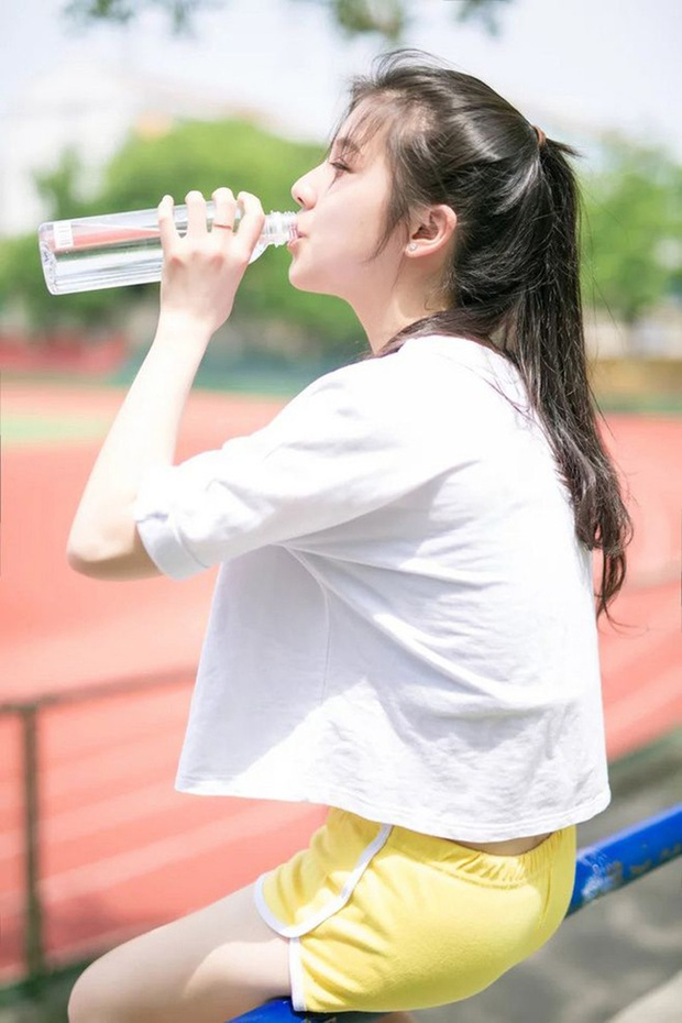 7 thời điểm tốt nhất trong ngày cần phải uống nước để đẩy lùi được nhiều bệnh nguy hiểm như đột quỵ, táo bón, suy tim - Ảnh 3.
