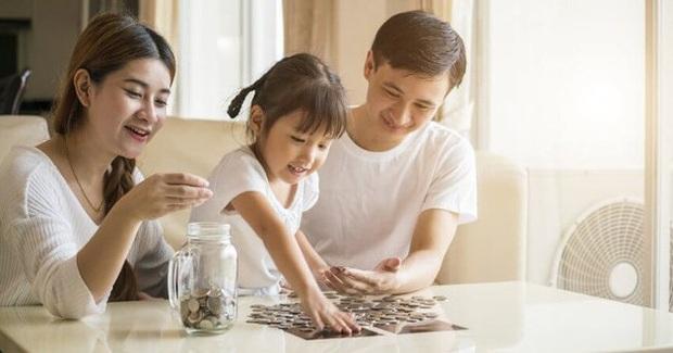 Từ câu chuyện nội chiến gia đình vì chữ tiền đến bí mật dạy con thành công đáng ngẫm: Nếu con cái tài giỏi hơn tôi, để lại tiền cho chúng là không cần thiết. Nếu chúng bất tài, tiền nhiều chỉ làm hư chúng - Ảnh 4.