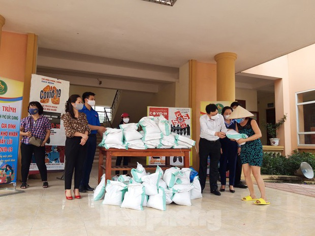 Cây ATM gạo đến với người nghèo và công nhân ở Bắc Ninh - Ảnh 6.