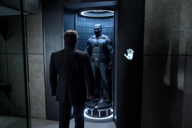 Chuyện lạ có thật: Joker Joaquin Phoenix suýt nữa đóng Batman, từ người hùng hóa ác nhân chỉ trong gang tấc - Ảnh 3.