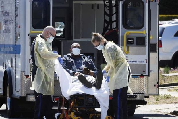 Số người tử vong vì Covid-19 tại Mỹ lại tăng kỷ lục trong ngày, hơn 210.000 ca dương tính, 1/4 dân số nhiễm bệnh mà không có triệu chứng - Ảnh 3.