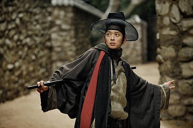 Diện kiến nam chính Train to Busan 2 Kang Dong Won: Thánh sống IQ 134 nhà tài phiệt, hậu cung toàn mỹ nhân quyền lực - Ảnh 24.