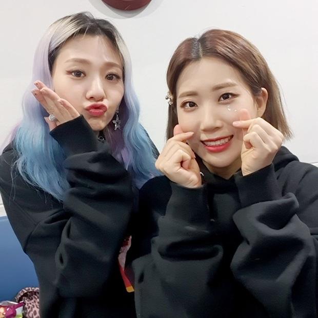 Bộ đôi khủng long nhạc số có 1 thành viên rời nhóm, netizen lại thấy hợp lí vì cô như đóng vai phụ mờ nhạt cho đồng đội - Ảnh 3.