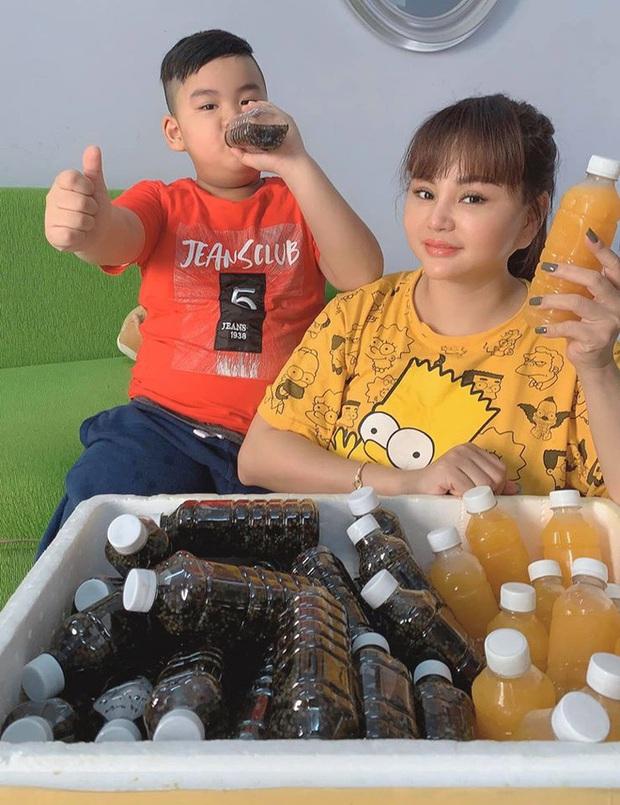 Gần nửa showbiz Việt đổ xô bán hàng online thời Covid-19: Khởi nghiệp đồng loạt, kinh doanh gì mùa không show chậu? - Ảnh 1.