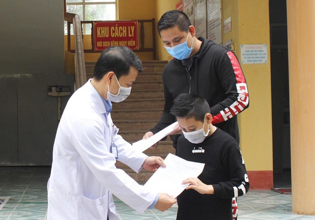 Bé trai 11 tuổi nhiễm Covid -19 ở Hải Dương khỏi bệnh - Ảnh 1.