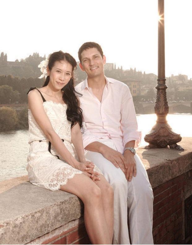 8 nàng thơ của Trương Quốc Vinh: Thư Kỳ thoát mác mỹ nhân 18+, Trương Bá Chi chưa khổ bằng chị đại sính ngoại bị cắm sừng - Ảnh 23.