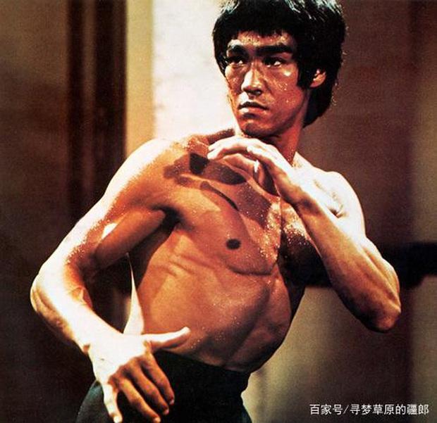 Huyền thoại võ thuật Lý Tiểu Long: Đệ tử nổi loạn của Diệp Vấn với kỷ lục khiến cả thế giới bội phục và cái chết bí ẩn - Ảnh 2.