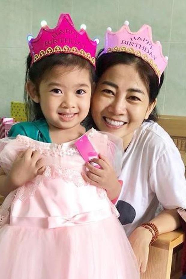 Đã có người trả giá 110 triệu cho chiếc váy Mai Phương từng catwalk lúc bệnh nặng, tiền sẽ được cho vào quỹ nuôi bé Lavie - Ảnh 6.