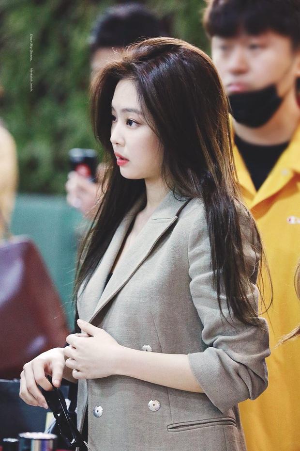 Hiếm có ai thở thôi cũng sang chảnh ngút ngàn như 5 idol nữ Kpop này: Hội siêu giàu châu Á ngay đây rồi? - Ảnh 2.