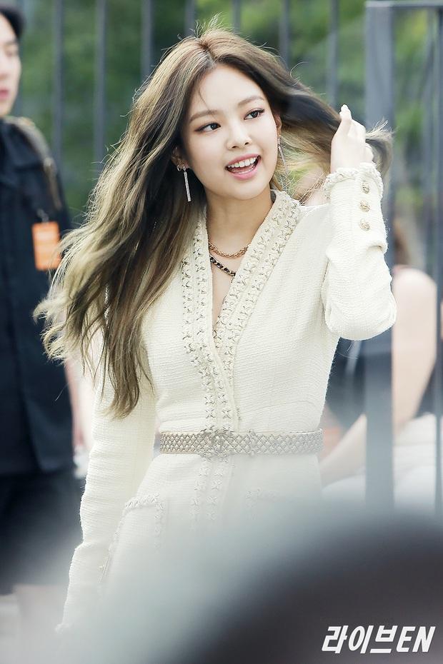 Hiếm có ai thở thôi cũng sang chảnh ngút ngàn như 5 idol nữ Kpop này: Hội siêu giàu châu Á ngay đây rồi? - Ảnh 1.