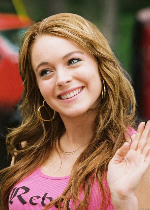 Náo loạn vì Means Girl Lindsay Lohan xoá hết hình cũ, tung ảnh mới lột xác hoàn toàn kèm tuyên bố Chị sẽ trở lại! - Ảnh 7.