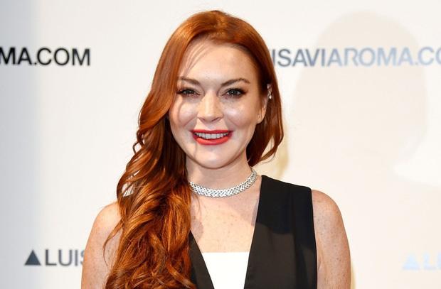 Náo loạn vì Means Girl Lindsay Lohan xoá hết hình cũ, tung ảnh mới lột xác hoàn toàn kèm tuyên bố Chị sẽ trở lại! - Ảnh 4.