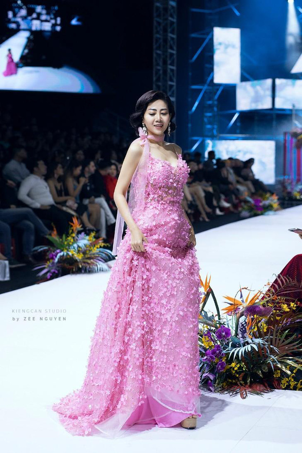 Đã có người trả giá 110 triệu cho chiếc váy Mai Phương từng catwalk lúc bệnh nặng, tiền sẽ được cho vào quỹ nuôi bé Lavie - Ảnh 3.