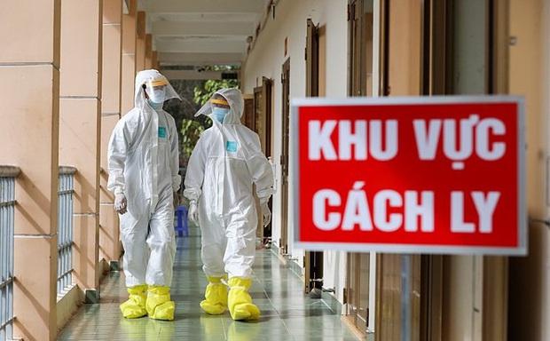 Hà Nội: Con trai bệnh nhân COVID-19 số 209 ở Long Biên bị nghi nhiễm, chuyển viện cách ly - Ảnh 1.