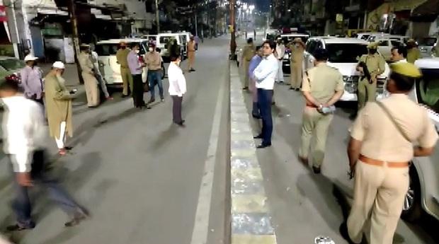 Ấn Độ cáo buộc du khách tham dự buổi lễ tôn giáo làm lây lan Covid-19 - Ảnh 1.