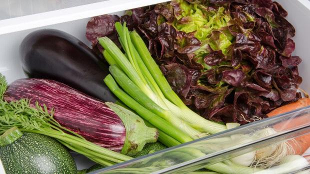 Quang Đại share mẹo bảo quản rau xanh vừa học được trên mạng: test thử thấy rau tươi lâu hơn mà lại còn để được từ 3 - 5 ngày - Ảnh 1.