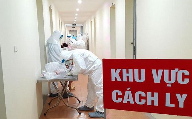 Hưng Yên họp khẩn, cách ly 1 thôn hơn 1.400 dân sau khi bệnh nhân số 219 mắc Covid-19 được công bố - Ảnh 1.
