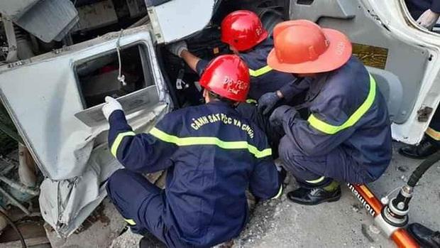Xe bồn lao xuống vực sâu 5m ở Huế, tài xế tử vong trong cabin - Ảnh 2.
