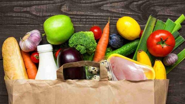 Thử thách giảm cân 14 ngày cách ly toàn xã hội: 11 tips ăn kiêng giảm cân đơn giản bạn nên thử - Ảnh 1.