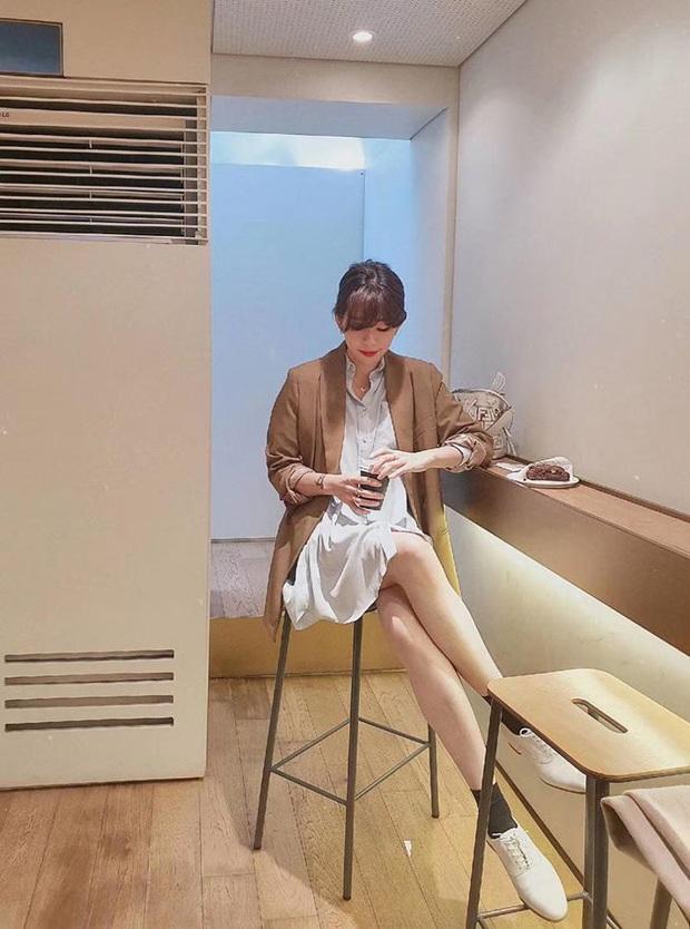 Ngọc Trinh bị chê kém duyên khi ngồi thử giày, các chị em chớ có mắc lỗi này khi mặc váy ngắn! - Ảnh 12.