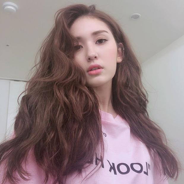 4 mỹ nhân Hàn sở hữu mái tóc dày mượt phát hờn, ngắm rồi muốn nuôi tóc dài, chăm sóc thật kỹ để được như họ - Ảnh 16.