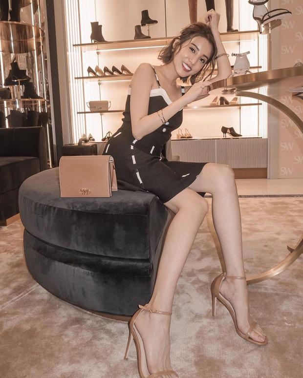 Ngọc Trinh bị chê kém duyên khi ngồi thử giày, các chị em chớ có mắc lỗi này khi mặc váy ngắn! - Ảnh 5.