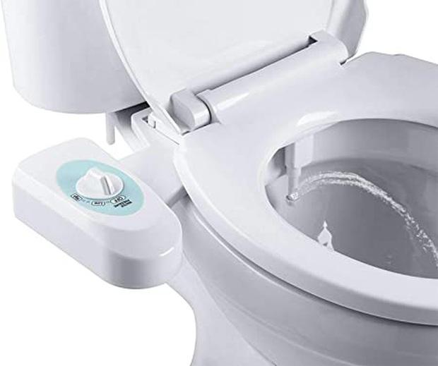 Không mua nổi giấy vệ sinh, người Mỹ chuyển sang sốt... vòi xịt toilet giữa đại dịch Covid-19: Cháy hàng trên mọi mặt trận - Ảnh 5.