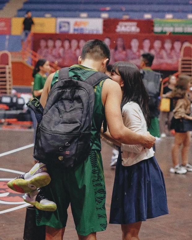 Bóc info về tình mới của hotgirl Mẫn Tiên: Đã là cầu thủ bóng rổ chuyên nghiệp, còn giữ chức chủ tịch HĐQT và sở hữu luôn một quán bar tại phố cổ - Ảnh 7.
